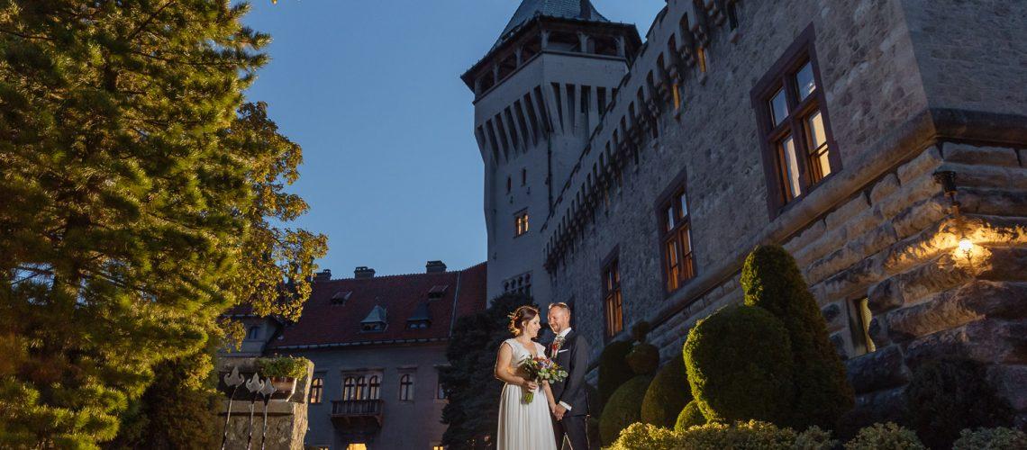 svadba-na-smoleneckom-zamku-vyzdoba-svadobne-saty-svadobny-priestor-zamok-na-svadbu-svadobny-fotograf-zapadne-slovensko_080